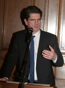 Prof. Dr. Hans Jörg Hennecke